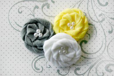 Felt Flowers yellow 1