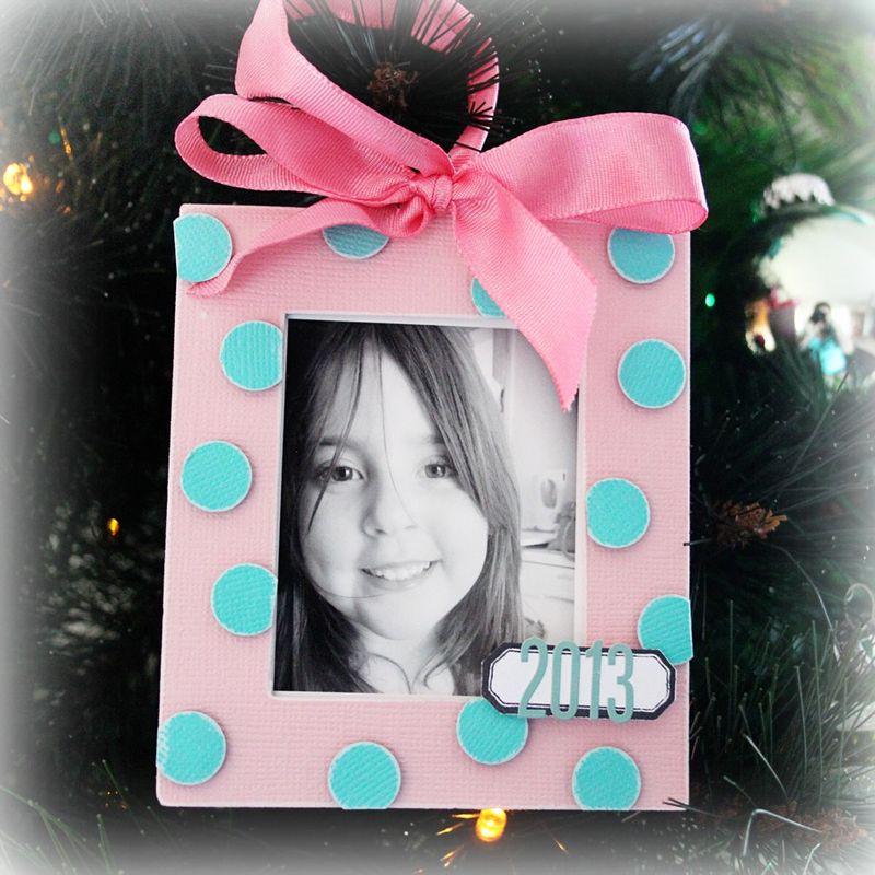 Amelia-Ornament-2013